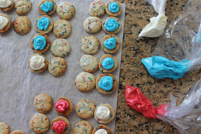 Mini Patriotic Funfetti Sandwich Cookies – The Salted Cookie