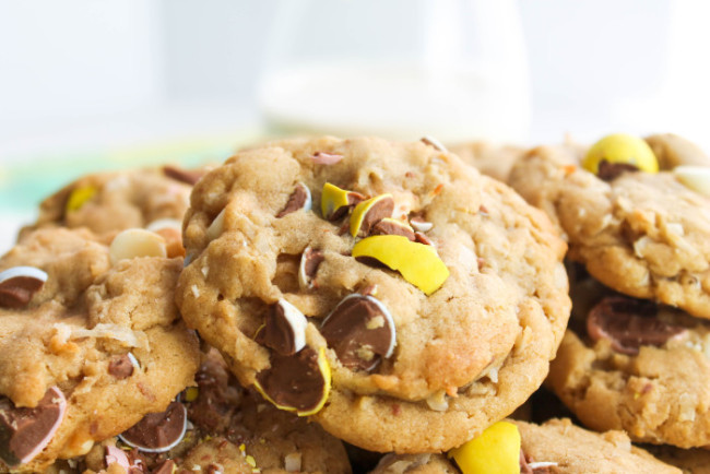 Cadbury_Mini_Egg_Chocolate_Coconut_Cookies