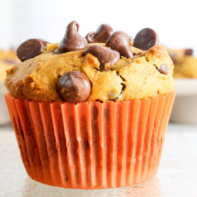 browned-butter-pumpkin-chocolate-chip-muffins-5