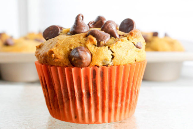 browned-butter-pumpkin-chocolate-chip-muffins